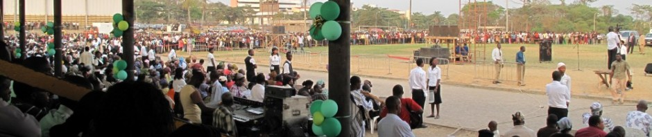 cropped-Crowd-gathers-to-hear-Adeboye-of-RCCG-at-OAU