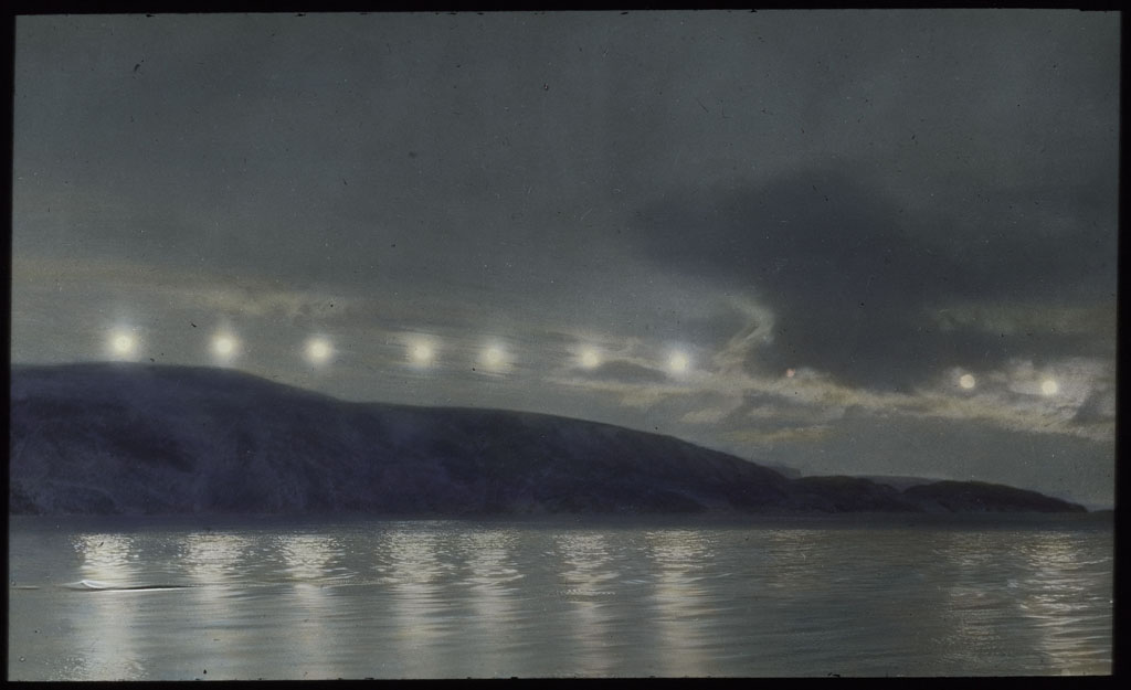 Donald Baxter MacMillan; Suns. South From Etah, North Greenland; 1913-1917; image; silver gelatin on glass; 10.16 cm x 8.26 cm x 0.64 cm (4 in. x 3 1/4 in. x 1/4 in.); TGM; North America