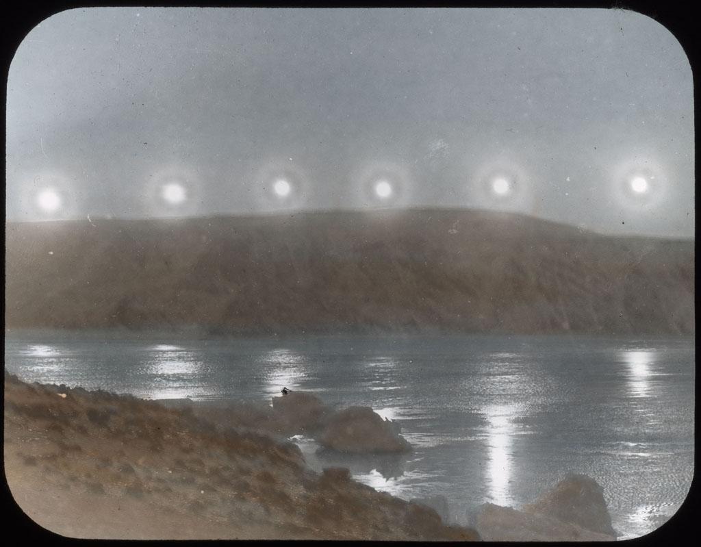 Donald Baxter MacMillan; The last row of suns; 1913-1917; image; silver gelatin on glass; 10.16 cm x 8.26 cm x 0.64 cm (4 in. x 3 1/4 in. x 1/4 in.); TGM; North America