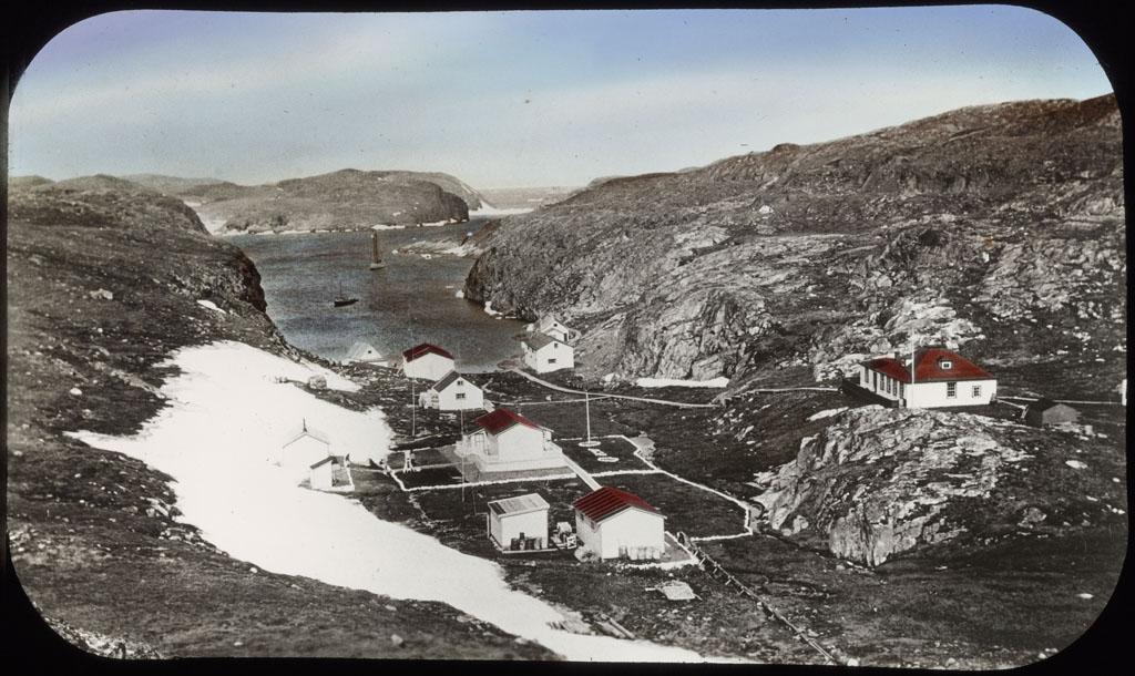 Donald Baxter MacMillan; Killinek, North Labrador; image; silver gelatin on glass; 10.16 cm x 8.26 cm x 0.64 cm (4 in. x 3 1/4 in. x 1/4 in.); TGM; North America