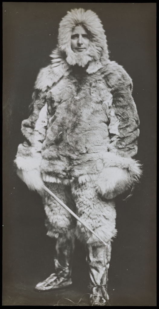 MacMillan in furs