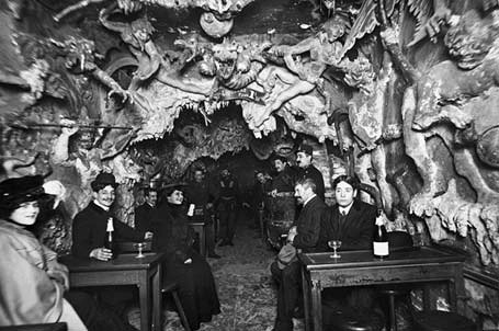 Cabaret-L'Enfer-Paris-Theme-Bars-Interior