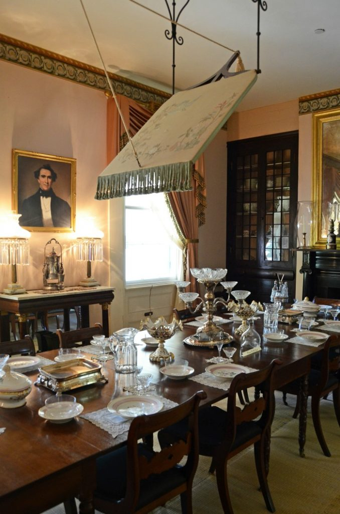 Rosedown-Plantation-Dining-Room